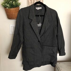 VTG 2 piece houndstooth skirt suit size 4